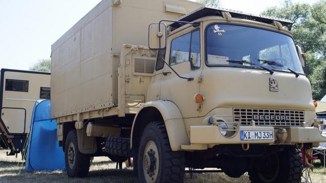 Bedford ex UK Army, 12.00 und 5m Pritsche