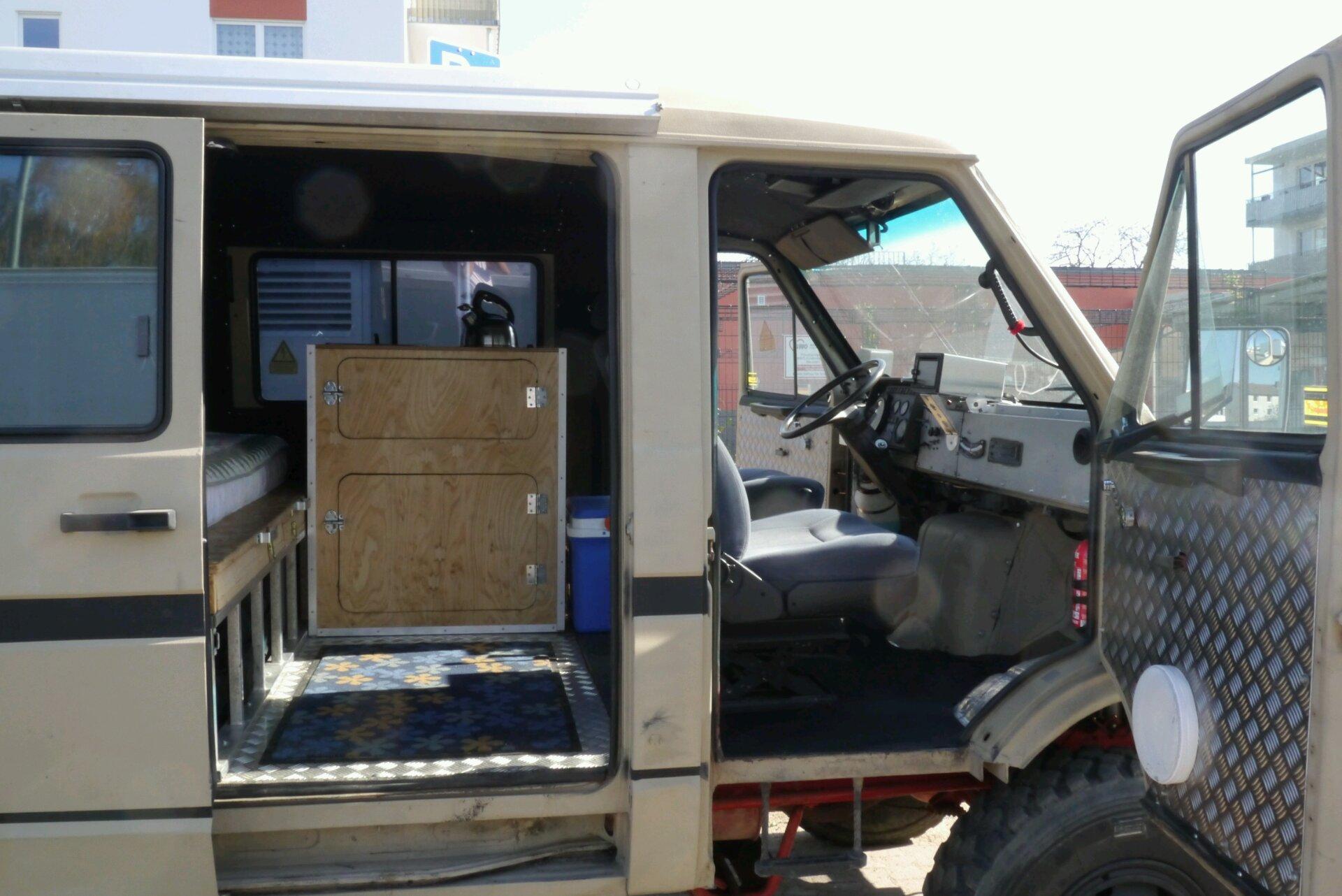 Küchenblock fertig im Fahrzeug